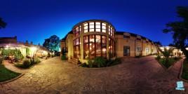 Hotel - Restaurant Casa cu Tei